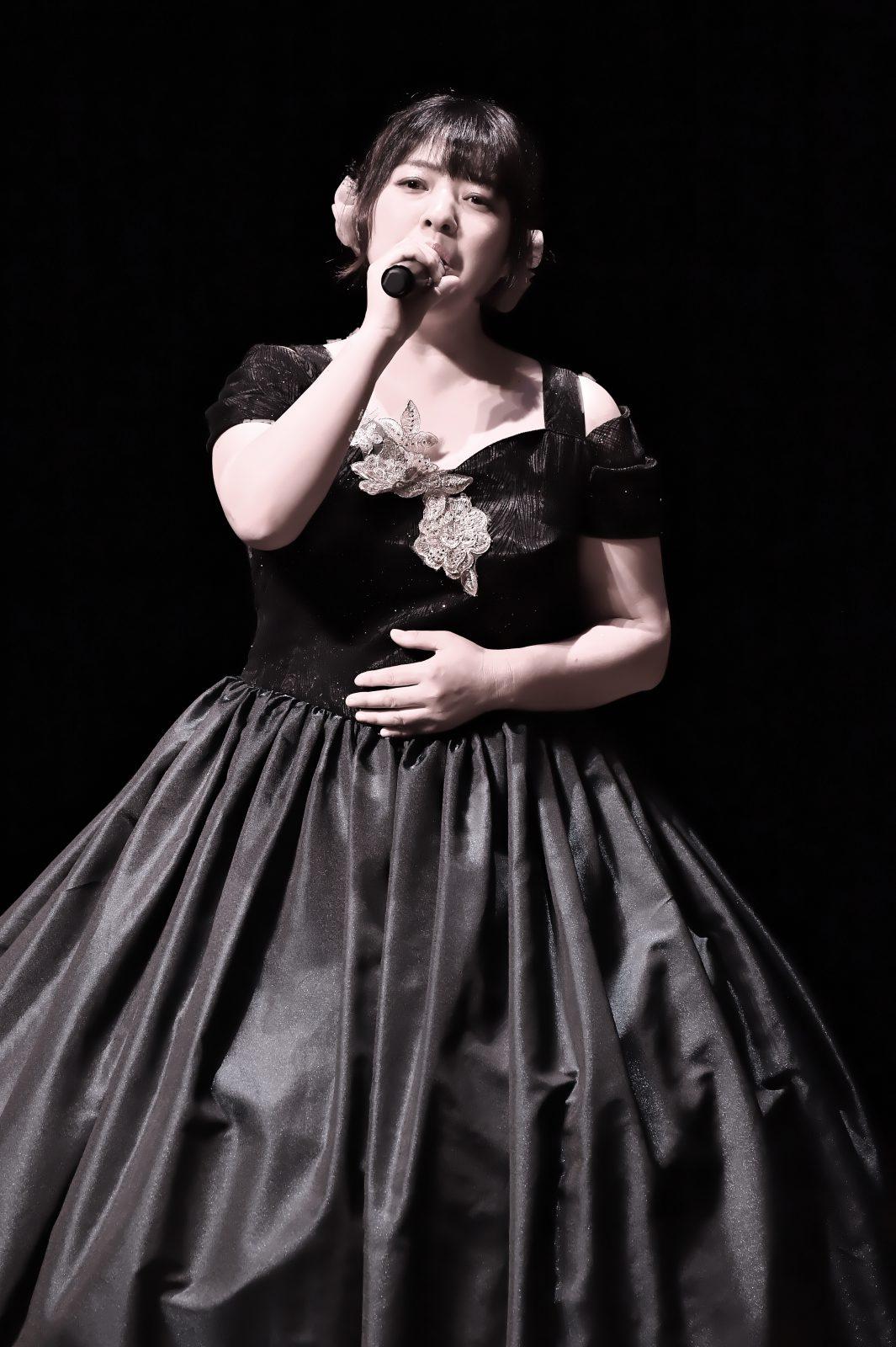 歌声サロンまりりん - 専属アイドル まりりん